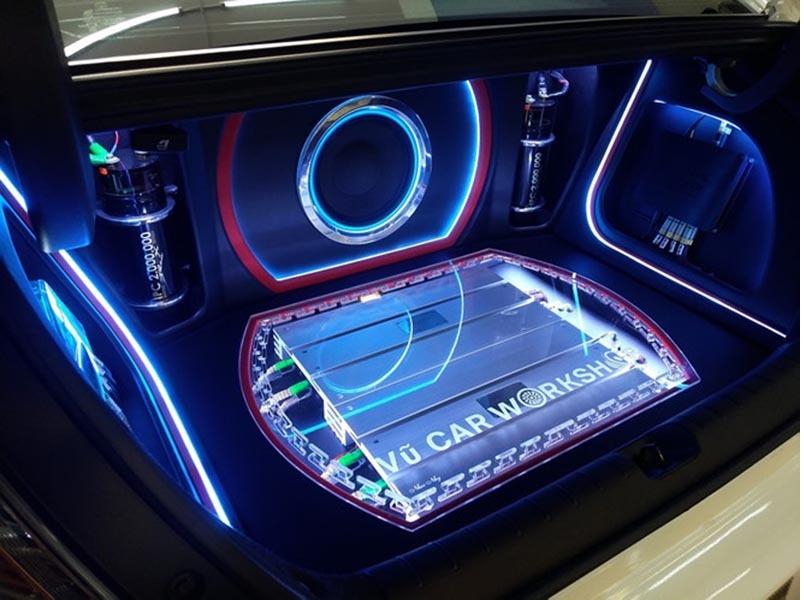 Dàn âm thanh xe hơi cao cấp phục vụ nhu cầu giải trí