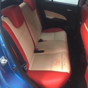 Bộ áo bọc ghế ô tô da công nghiệp màu trắng phối viền đỏ 039